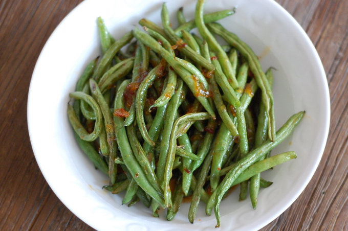 Roasted Green Beans with Sriracha and Orange