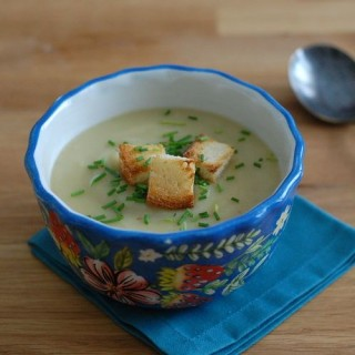 Vegan Potato Leek Soup with Roasted Garlic