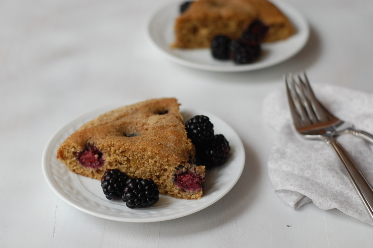 Vegan blackberry cake slice