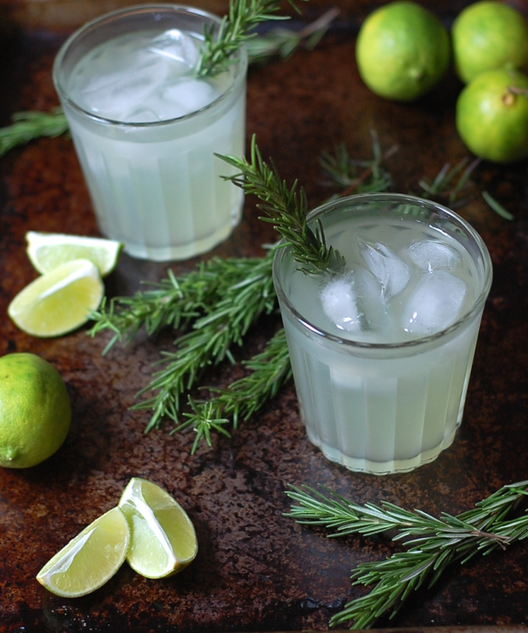Cucumber rosemary limeade 3