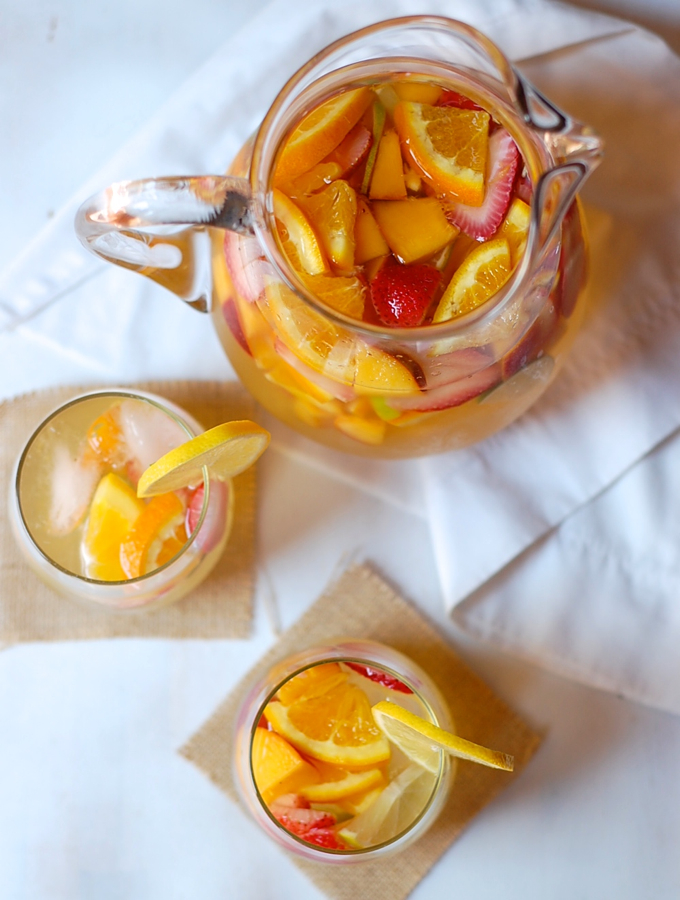 lemon white wine sangria 2