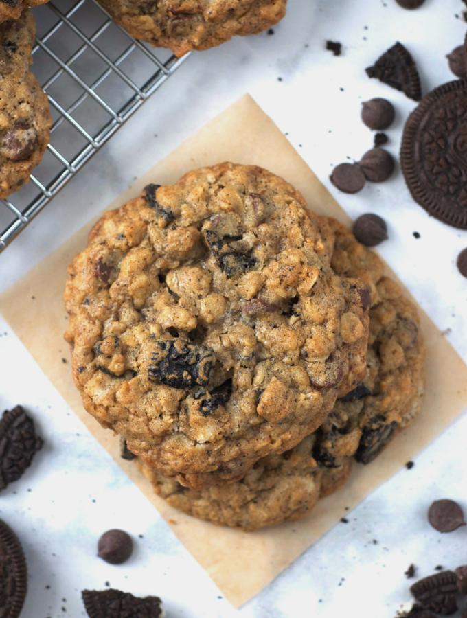Cookies and Cream Oatmeal Cookies