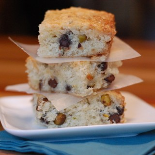 Blondies with Pistachios and Dark Chocolate