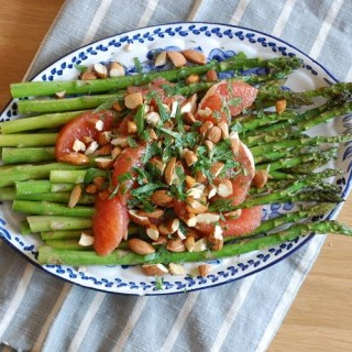 Vegan roasted asparagus salad