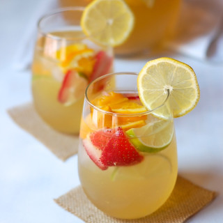 lemon white wine sangria 3