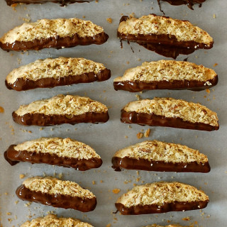 chocolate-covered pretzel biscotti